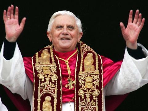 Papa confessa entusiasmo por viajar a Compostela